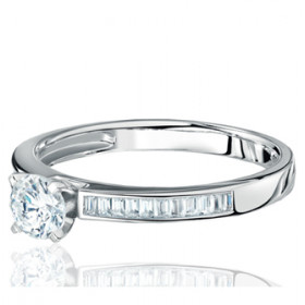 Bague alliance lucien Pfertzel or blanc 18 carats et diamants en demi-tour