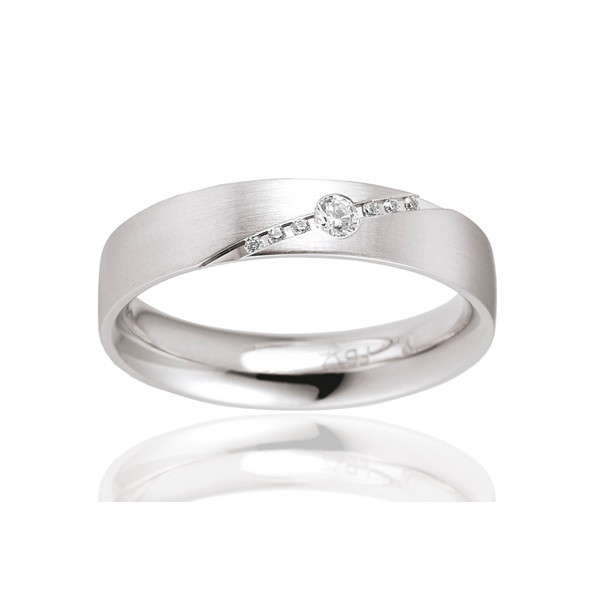 Alliance de mariage en or blanc et diamants