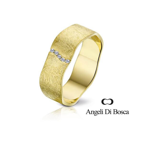 Bague alliance Angeli Di Bosca en or jaune 18 carats feuilleté 6,5 mm et diamants 0,035 carats