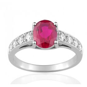 Bague or blanc 18 carats, rubis ovale  et diamant 0,33 carat