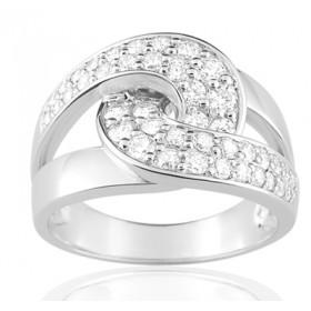 Bague or blanc 18 carats, rubis ovale  et diamant 0,92 carat