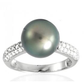 Bague or blanc 18 carats, diamant 0,30 carat et perle de Tahiti 10 mm