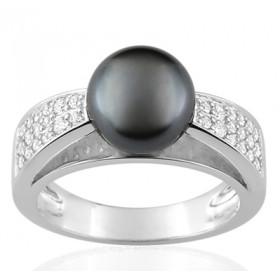 Bague or blanc 18 carats, diamant 0,30 carat et perle de Tahiti 9 mm