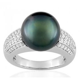 Bague or blanc 18 carats, diamant 0,55 carat et perle de Tahiti 12 mm