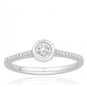 Bague or blanc 18 carats  et diamant 0,15 carat